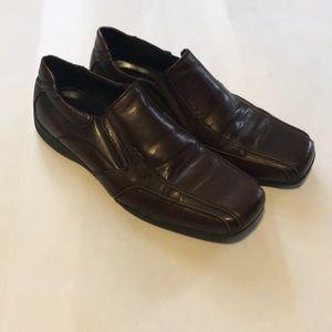 Apt. 9 men's brown slip on shoes, size 10 1/2
